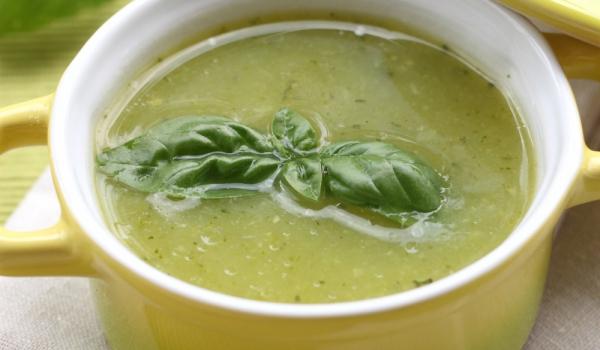 Супа от тиквички с мента