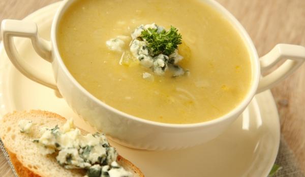 Супа от целина и синьо сирене