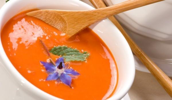 Пикантна супа от моркови