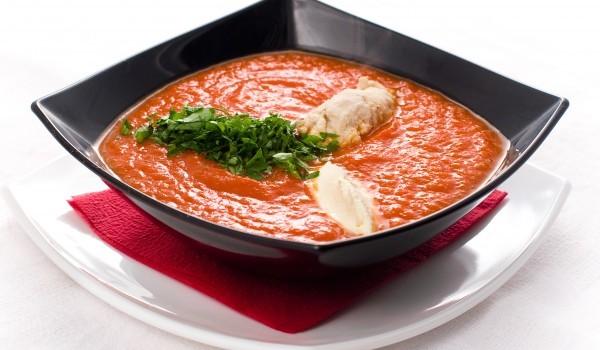 Бърза доматена супа