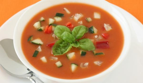 Студена супа с домати и краставици