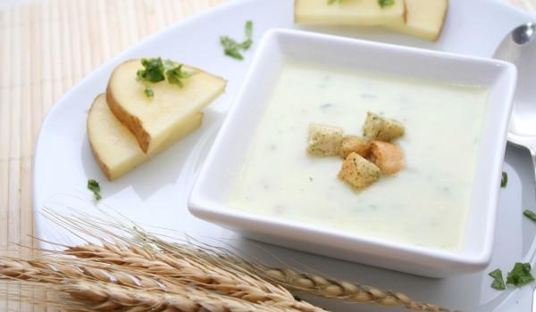 Студена супа с авокадо и краставици