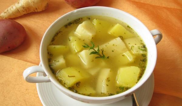 Чорба от картофи със зелев сок