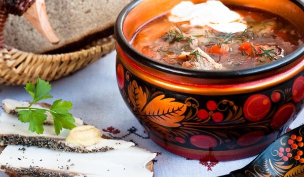 Свинска супа с целина и червено цвекло
