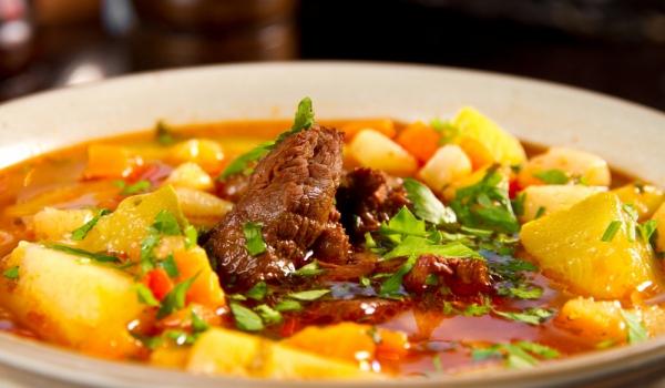 Телешка супа с картофи и домати