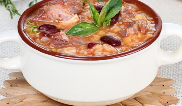 Зимна супа с говежда опашка и леблебия
