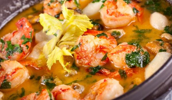Средиземноморска супа с праз и риба