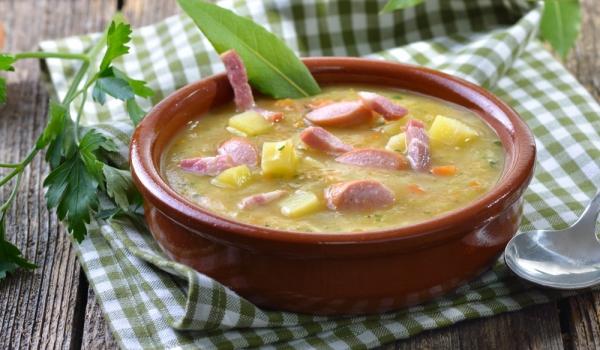 Супа с ориз, бекон и картофи