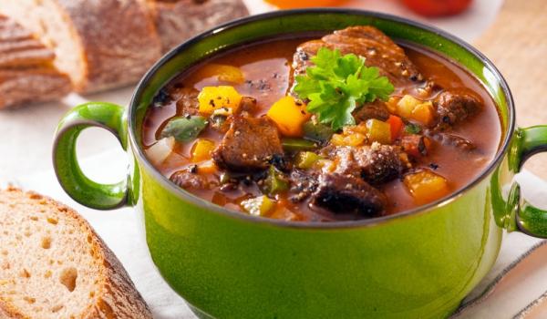 Зеленчукова супа с месо по сицилиански