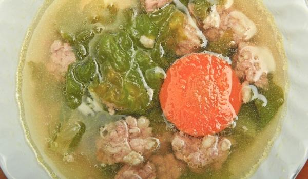 Зелена супа с агнешка главичка