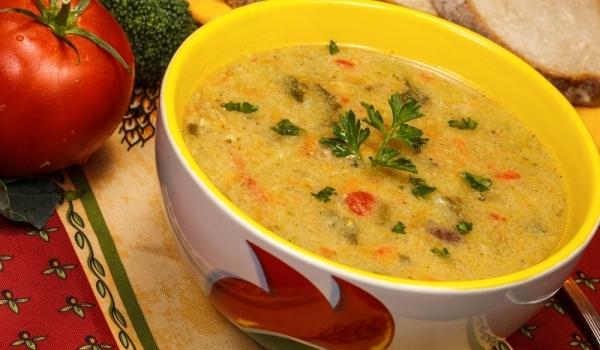 Пилешка супа с яйца и лимони