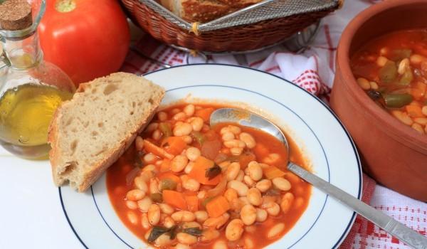 Бобена супа Фасолада