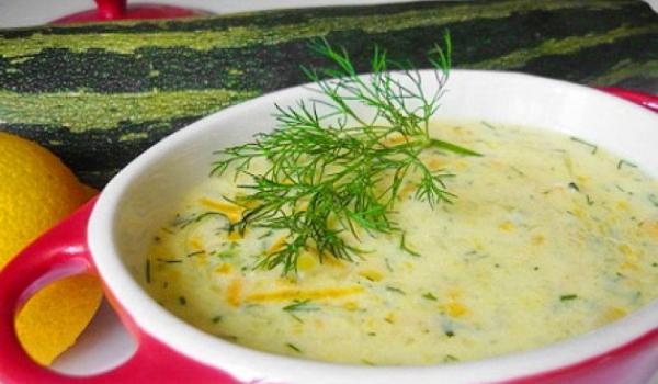 Супа от тиквички със сирене и ориз