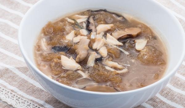 Гъбена супа с телешки език