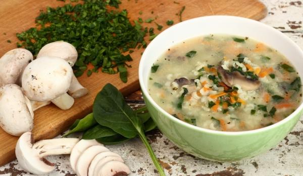 Зелена супа с печурки