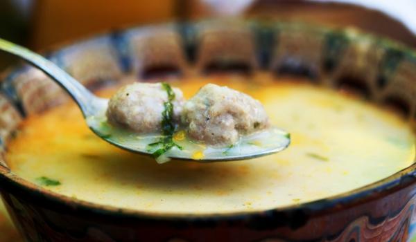 Супа топчета с телешко месо
