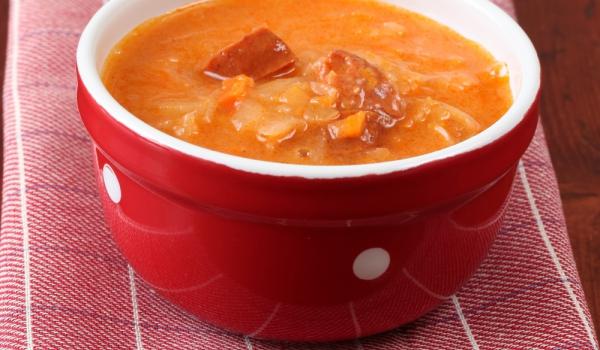 Зелева супа с наденица