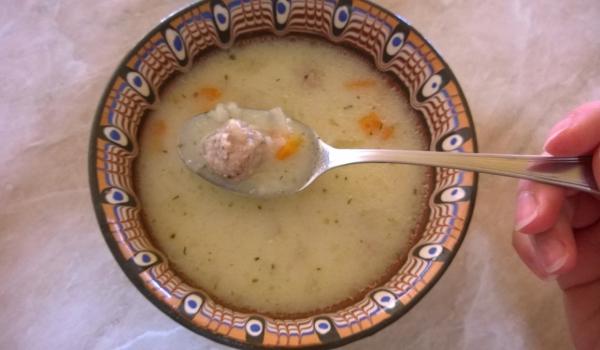 Супа топче с фиде