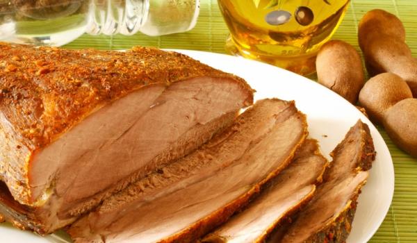 Ароматно свинско на фурна