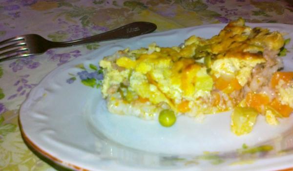 Тиквички с ориз, кайма и зеленчуци