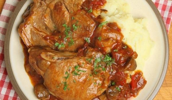 Свински пържоли в гювеч