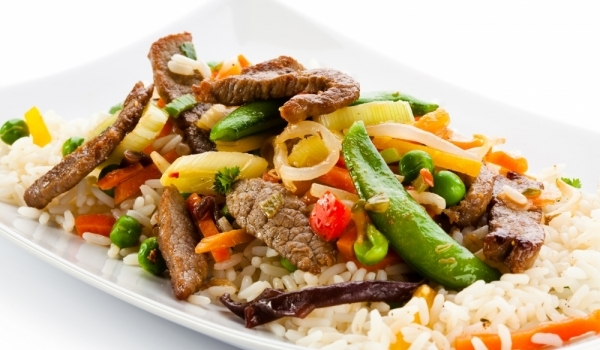 Ориз с три вида месо по китайски