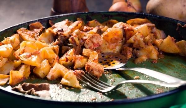 Свински кебап с картофи
