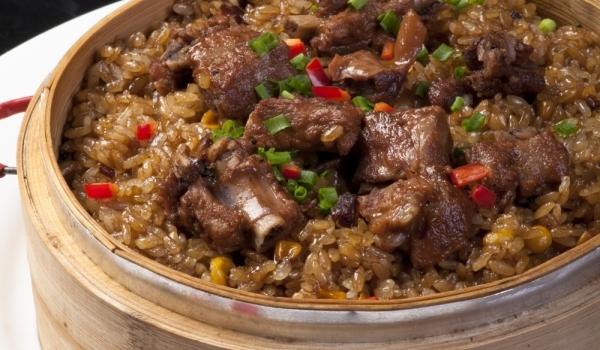 Кебап с праз и ориз в тава