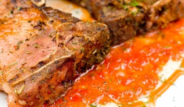 Пържоли с доматен сос на фурна