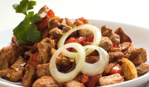 Свинско със зеленчуци по касапски