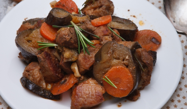 Яхния от месо и патладжани