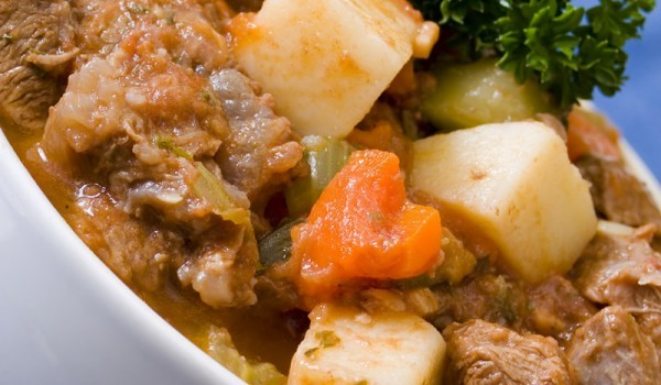 Пресни картофи с телешко месо