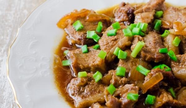 Телешко месо с червено вино