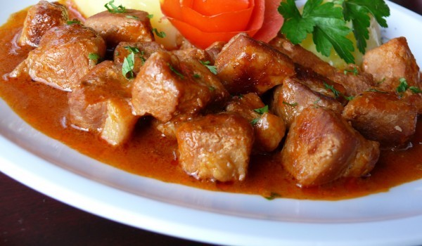 Тас кебап с телешко месо