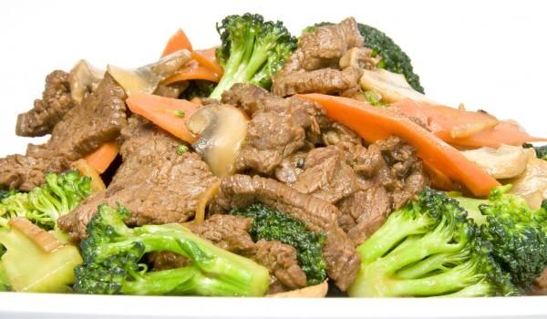 Телешко филе със зеленчуци