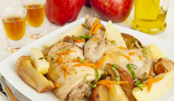 Пиле с ябълки