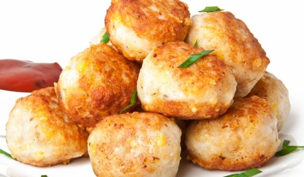 Кюфтета от пилешко месо със сирене