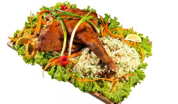 Люто печено пиле с червен пипер и испански ориз