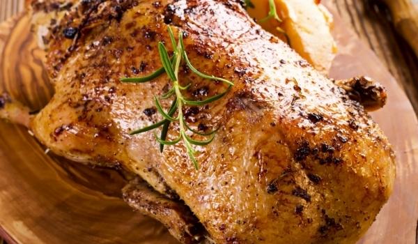 Печена гъска с пълнеж от салвия и лук