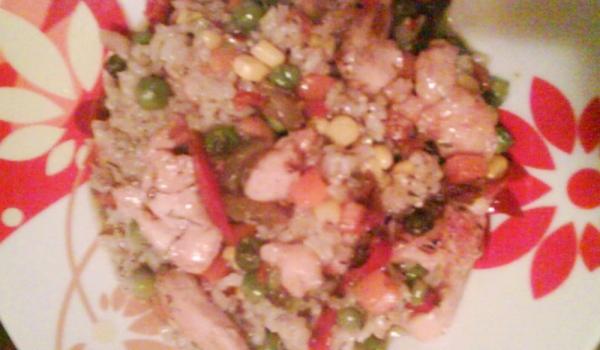 Ориз със зеленчуци и пилешко на фурна