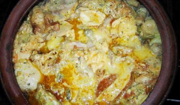 Пилешки гърди със зеленчуци в топено сирене