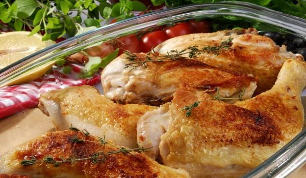 Пилешки бутчета с лук