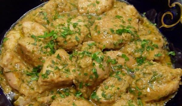 Пилешки трътки в сметанов сос