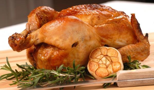 Печено пиле с чеснов сос