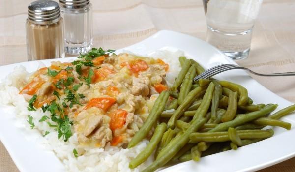 Пилешко с джинджифил и ориз