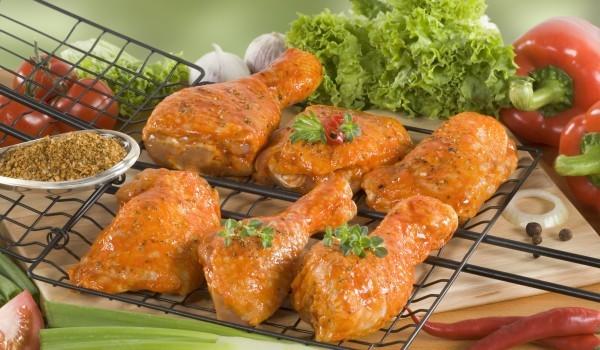 Печени пилешки бутчета в марината