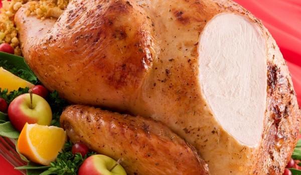 Пълнено пиле със сушени плодове