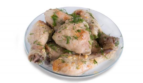 Пиле с магданоз