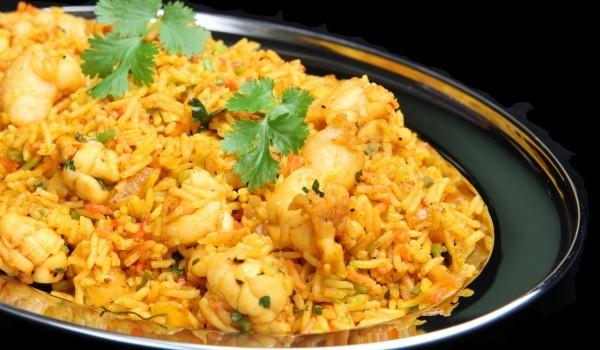 Пиле с ориз и сос къри