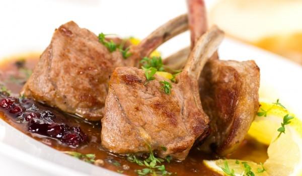 Стомна-кебап с ярешко месо